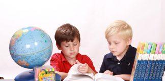 FF Plus: Afrikaans parents, register children at Afrikaans schools on 20 May
