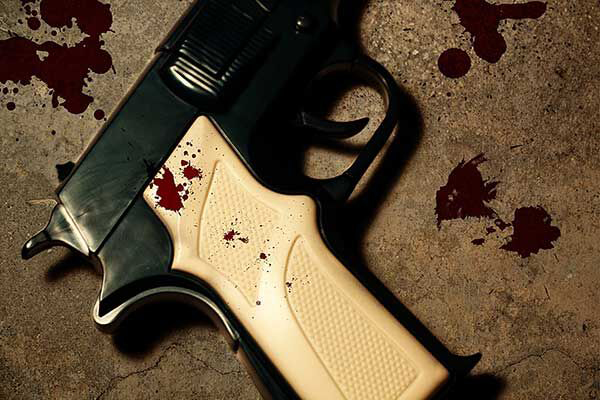 High speed chase, shootout, police kill 1 suspect, injure 2 more, Naturena