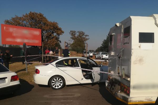 Escaping CIT robbers injure 3 woman during hijacking, Randfontein. Photo: Arrive Alive