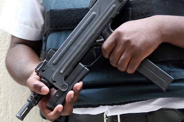 CIT heist, shootout, 1 robber shot and killed, 1 wounded, Boschfontein