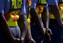 Police use teargas, rubber bullets to disperse rioters, Richards Bay