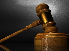 Life imprisonment for hacking wife to death with an axe