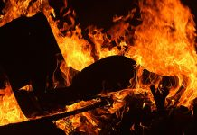 Witchcraft: Mob burn down houses, assault families, kill one man