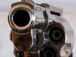 Farm attack, farm worker held up at gunpoint, robbed, Bokfontein