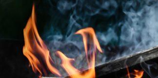 Mob burn homes of suspects - Panga attack on boy (13), Hazyview. Image source: Pixabay