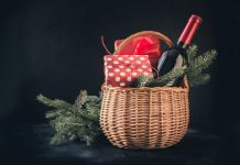 Gift Baskets That Will Make Any Christmas Party Amazing