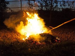 Mob justice: Man stoned and set alight, another man tied up and burnt. Photo: Pixabay