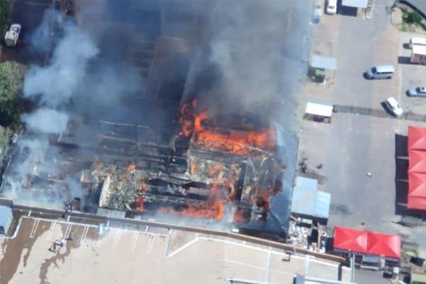 Fire destroys Rivonia shopping center. Photo: Arrive Alive