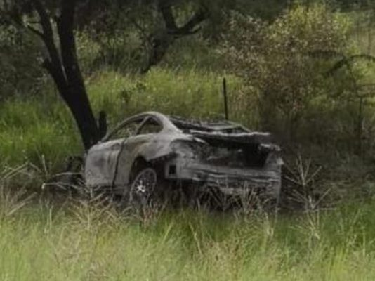 Manhunt after body found inside a burnt-out vehicle on the N1. Photo: Arrive Alive