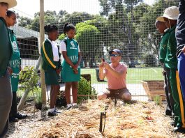 Learners from Constantia Primary School receive training from Ben Getz, director of Urban Harvest - Checkers Constantia's garden partner at the school.