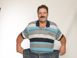 Thanks to his weight loss, Peet Snyman can now cycle with his wife