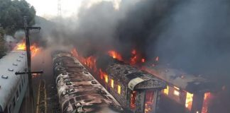 Arson attack leaves 24 burnt train carriages, Bloemfontein. Photo: Arrive Alive