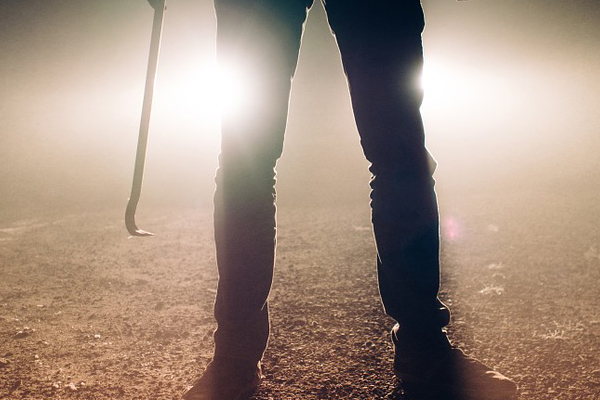Farm attack, man shot twice, wife assaulted with crowbar, Strydfontein. Photo: Pixabay