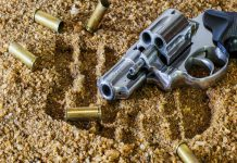 Business robbery, hijacking: Fleeing suspects open fire on police, CT. Photo: Pixabay