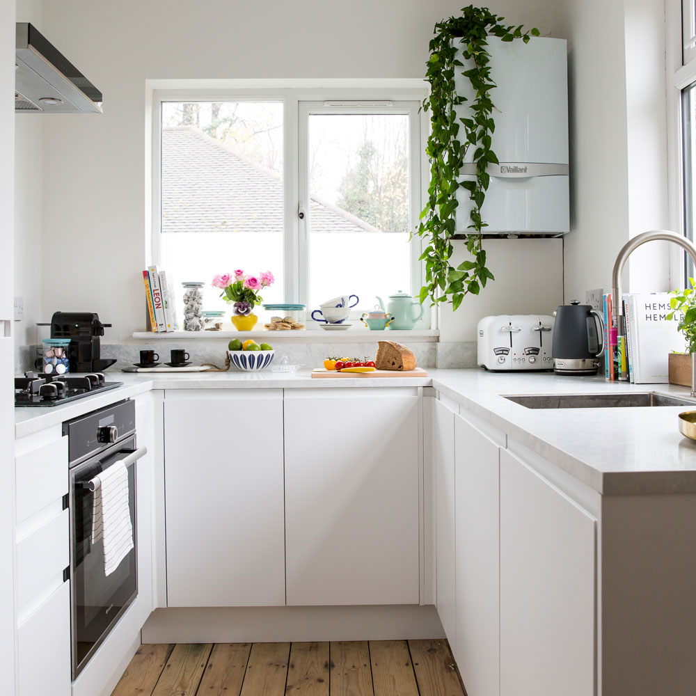small-kitchen-ideas-u-shaped.jpg