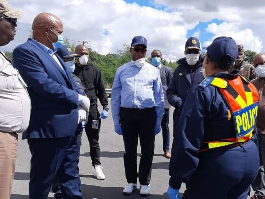 Lockdown operations: SAPS Management visit the Free State. Photo: SAPS