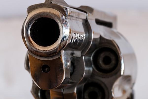 Farm attack, attackers gun misfires, 3 women robbed, Kleinfontein