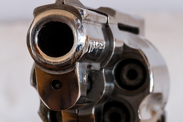 Business robbery, 7 armed suspects attack owner, Westonaria