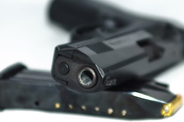 Alert officers arrest two suspects, recover firearm, Grassy Park