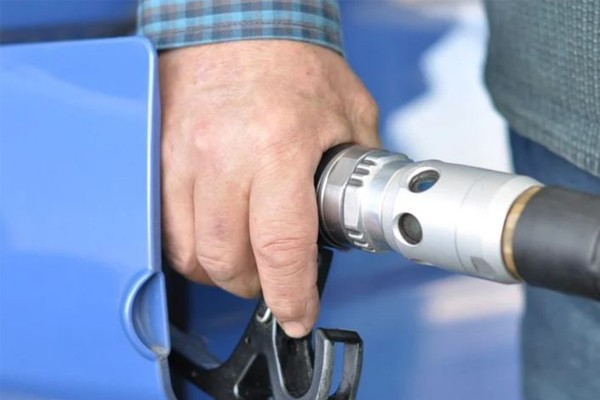 Price of fuel to climb as oil out muscles Rand – AA