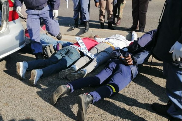 Gang with pistols and AK47 rifle among over 670 suspects arrested, Gauteng. Photo: SAPS