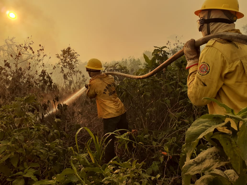 A fire in the the Pantanal region of Corumbá, generating immense environmental and public health damage. Ibama teams and other institutions fight fire fronts with great difficulty in moving. Photo courtesy of IBAMA