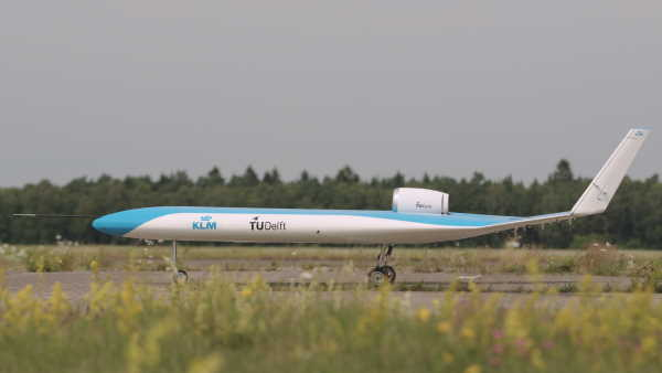 KLM and TU Delft present successful first Flying-V prototype flight